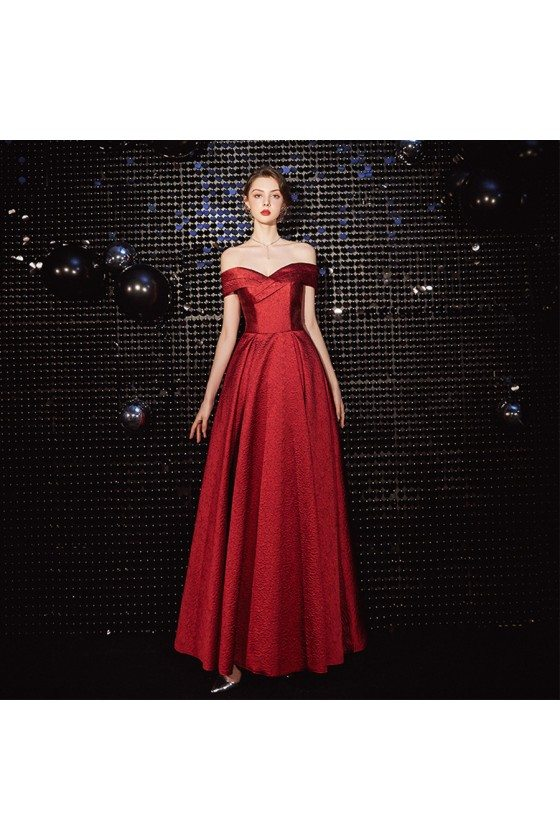 Pretty Off Shoulder Pleated Prom Dress In Burgundy Red