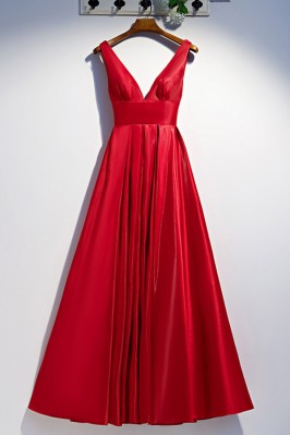 Long Red Pleated Prom Dress...