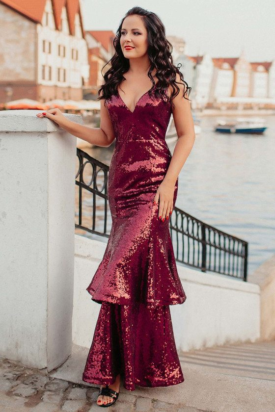 Burgundy Fitted Mermaid Sequined Evening Dress With Vneck