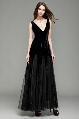 Black Deep V-neck Velvet And Tulle Formal Dress