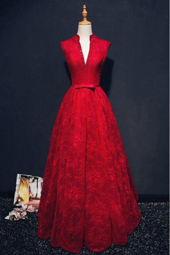 Chic Burgundy Deep V-neck Long Formal Dress Lace Sleeveless