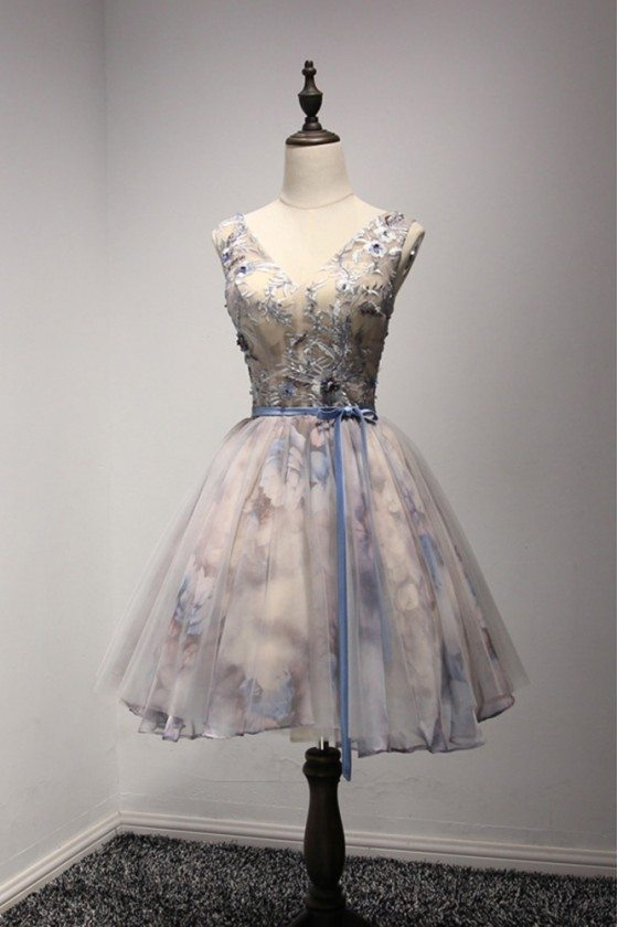 V-neck Grey Short Prom Dress With Floral Printed Lace