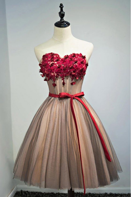 Unique Vintage Short Ballgown Prom Homecoming Dress With Flowers Sash