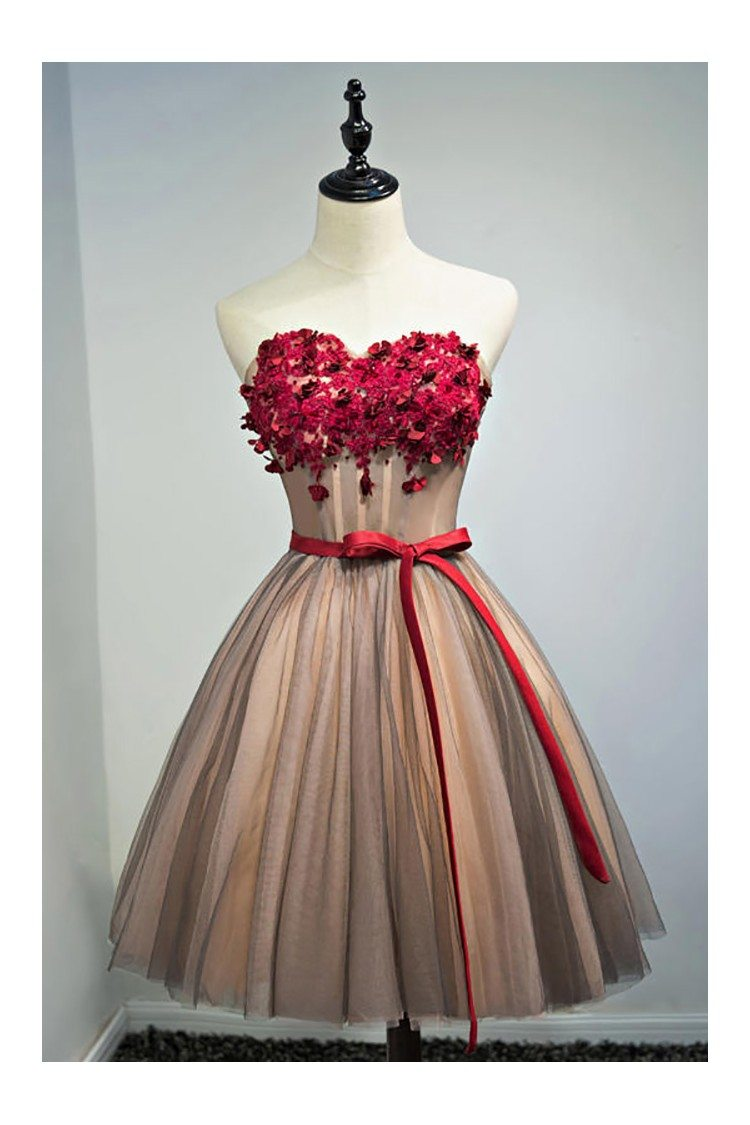 Unique Vintage Short Ballgown Prom Homecoming Dress With Flowers ...
