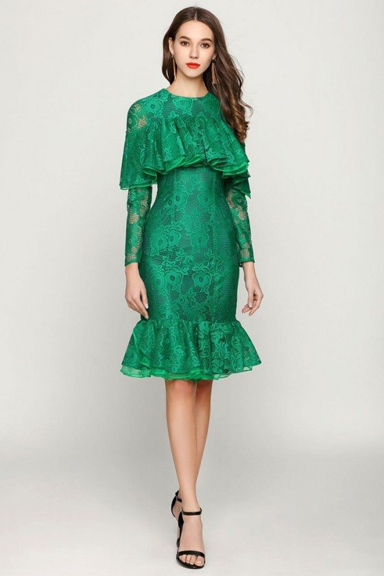 Green Short Mermaid Lace Prom Dress With Ruched Sleeves