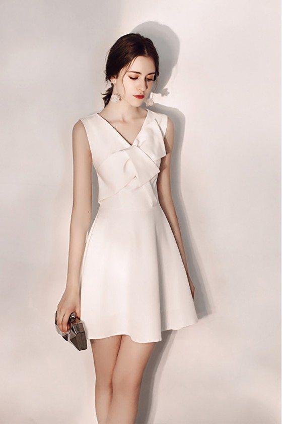 Pretty White Flare Short Hoco Dress With Vneck Sleeveless